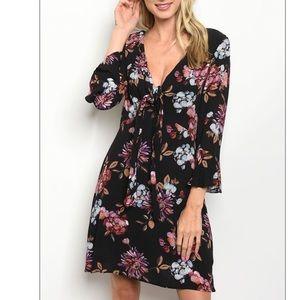 Black & violet V-neck floral print tunic dress